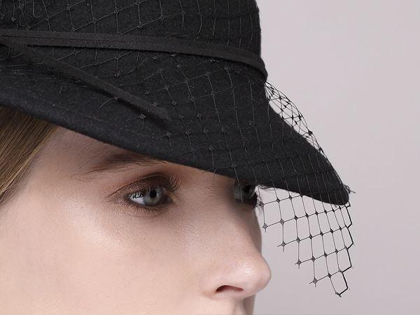 fashionable hat, cocktail hat, black hat